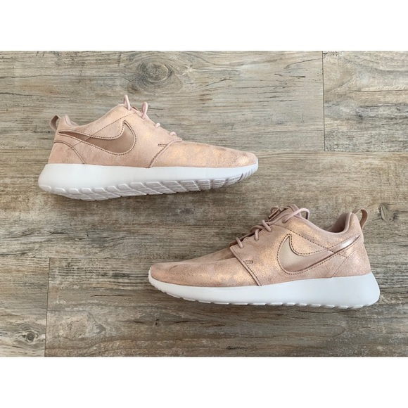 Nike Shoes   Rose Gold Roshe Ones